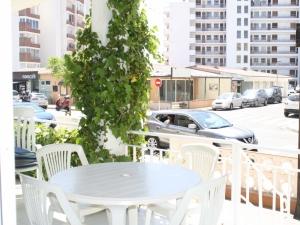 Ref. H/116 - Vend bel appartement à 100 mètres de la plage