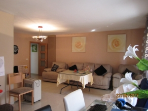 Ref. H/121 - Vend grand appartement à Roses rénové avec matériaux de qualité