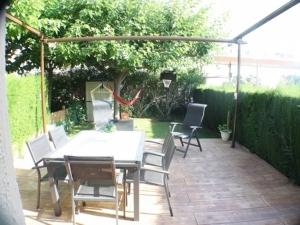 Ref. H / 123 - Vente belle maison avec jardin, piscine et amarre privé