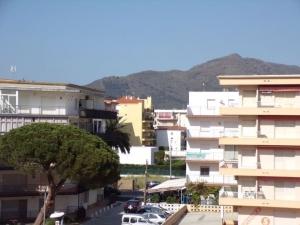 Appartement renove situe a 200 metres de la plage