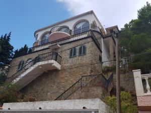 Casa amb piscina, vistes espectaculars de Mar i Muntanya