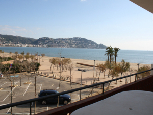 Apartament a primera línia de mar